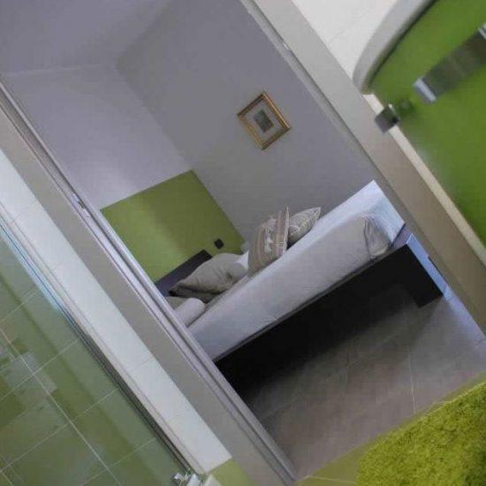 genc-odasi-banyo-mobilya-teslim-edilmis-isler-atolyemono-002